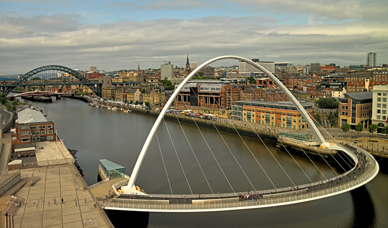 canva-newcastle,-tyneside,-gateshead,-tyne,-river,-bridges-MAC1uaEL3jI.jpg