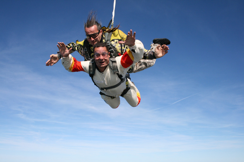 canva-skydiving,-sport,-extreme,-escape,-sky,-beauty,-duo-MAC3Zn3dcWU.jpg